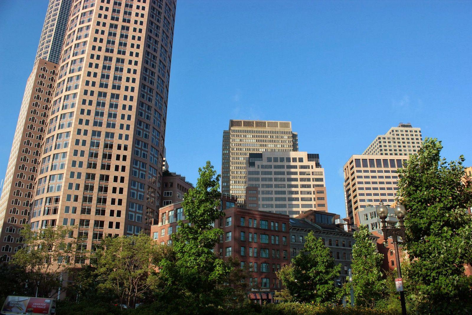 La mayoría de rascacielos y edificios modernos está aquí