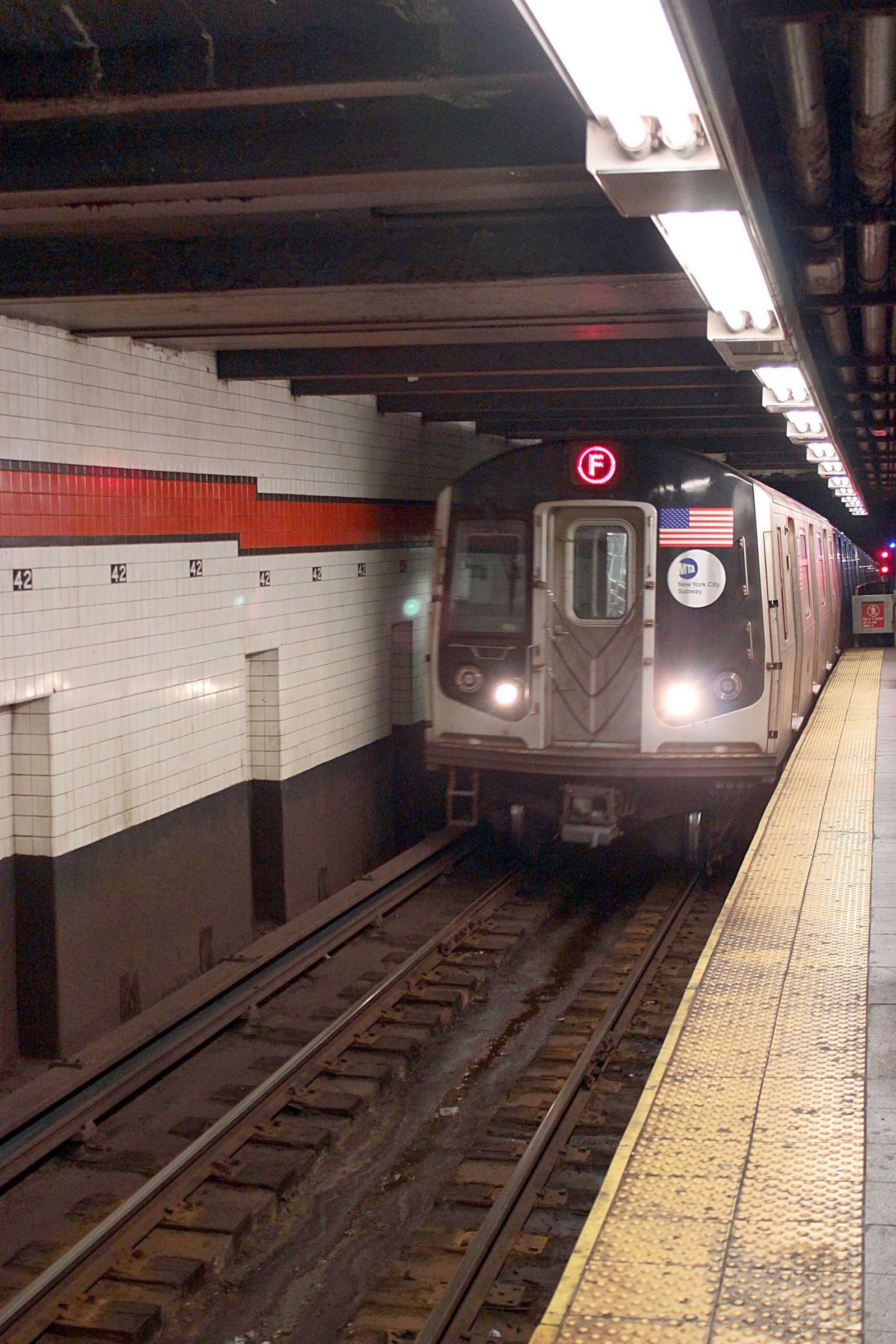 El metro de NY ya no es peligroso, pero sucio...