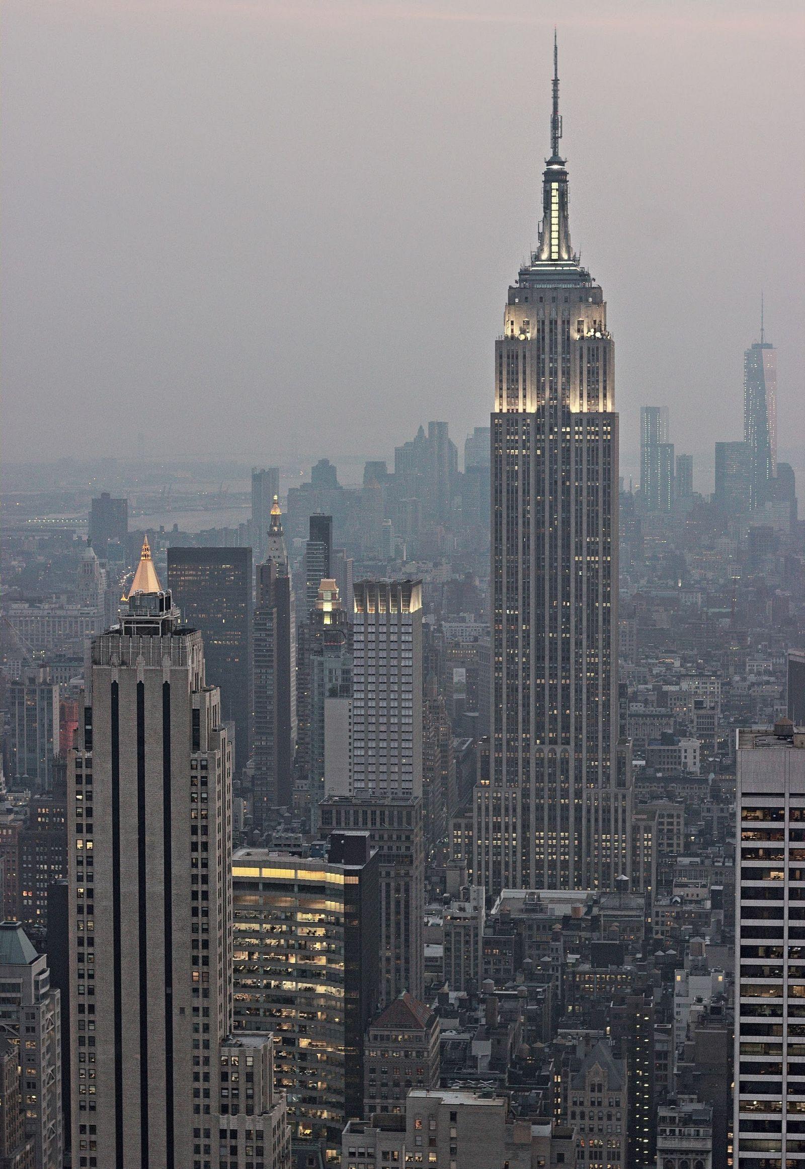 Empire en primer plano, One WTC en tercero