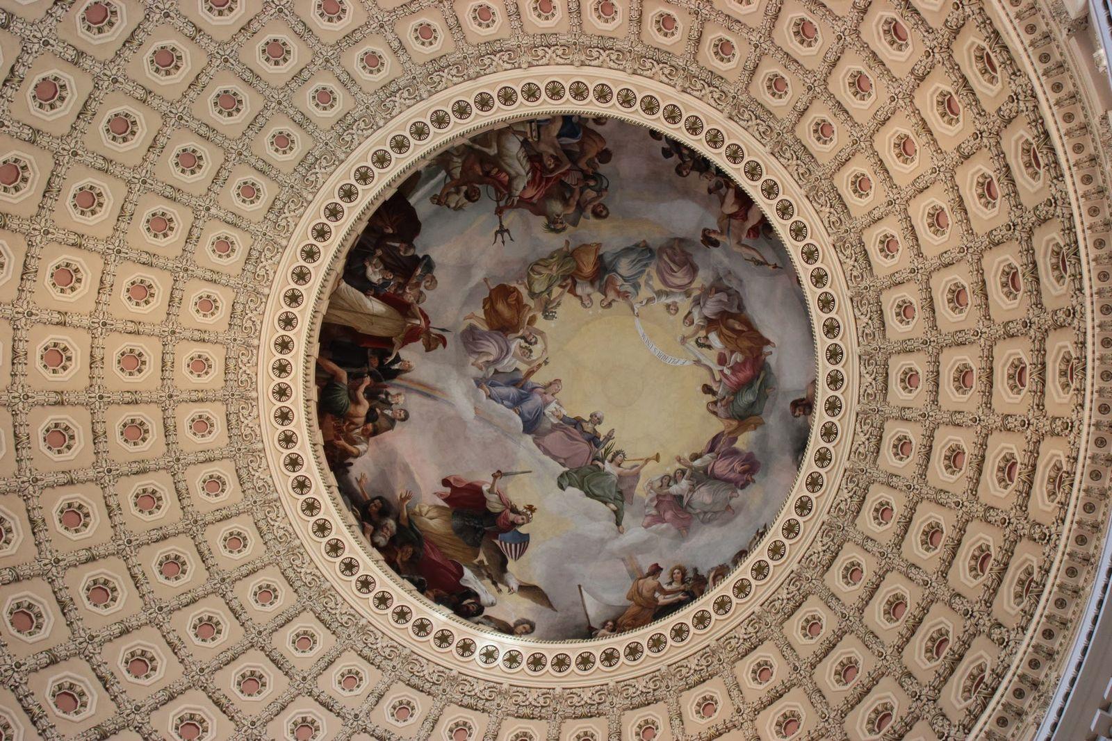 La Apoteosis de Washington, coronando la sala
