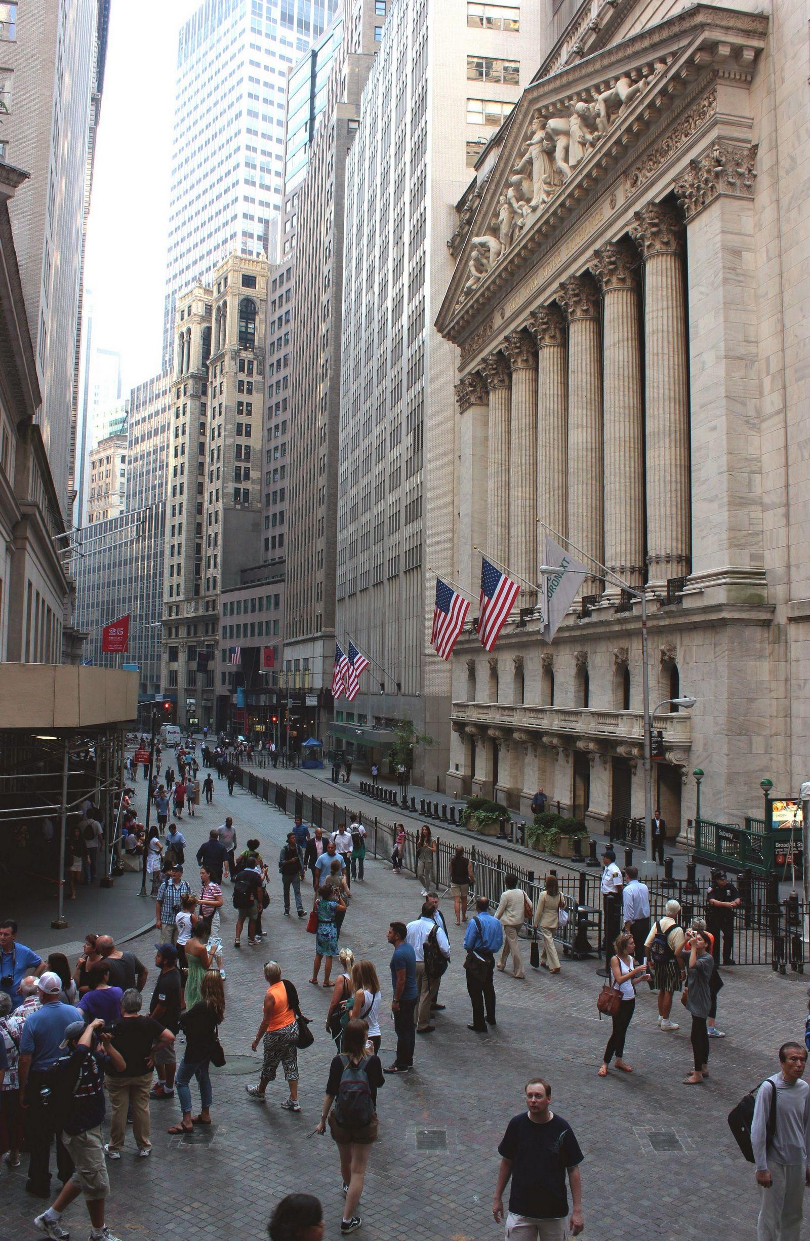 Un clásico: Wall Street desde las escaleras del Federal Hall