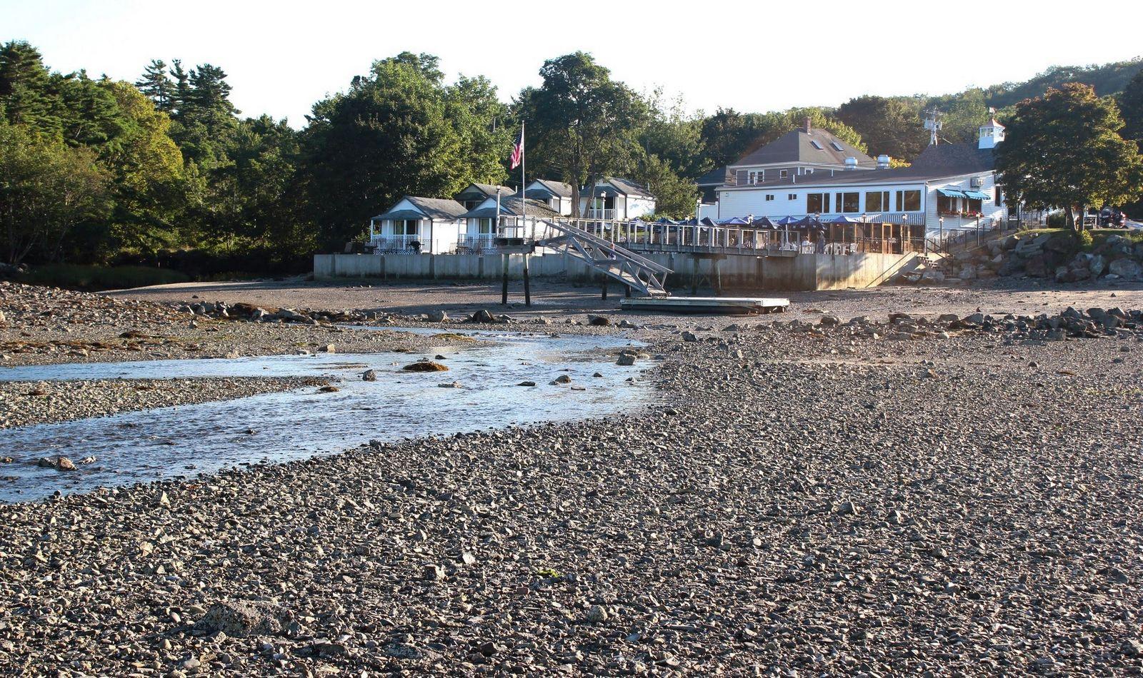 Hulls Cove y locales que se adueñan del embarcadero