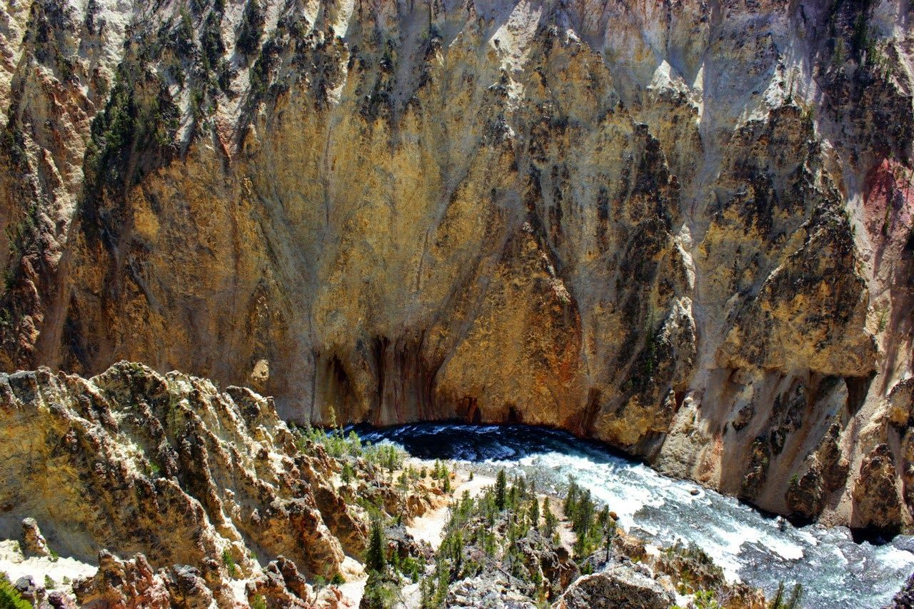 El Grand View se centra en el cañón y el río