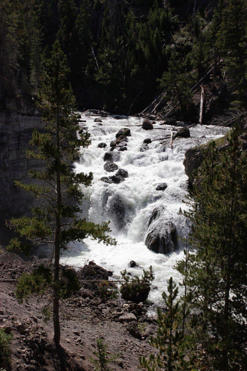 Las abundantes Firehole Falls