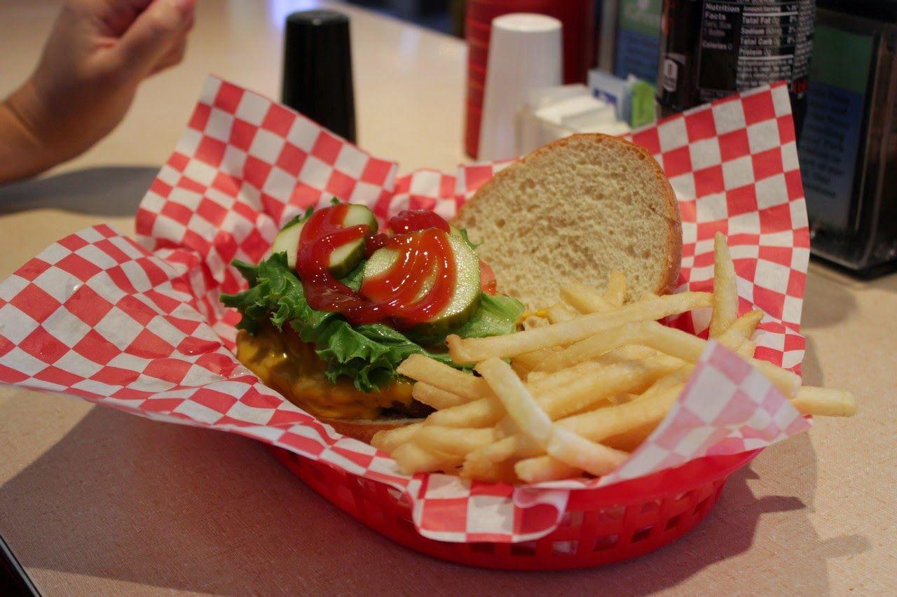 Patatas de notable, hamburguesa de excelente