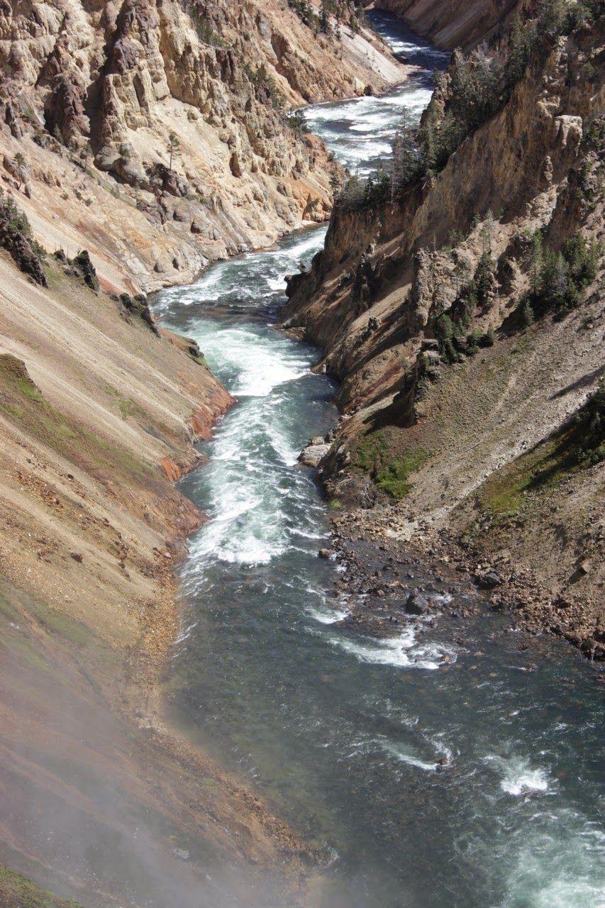 El río sigue su curso tras brindarnos este espectáculo