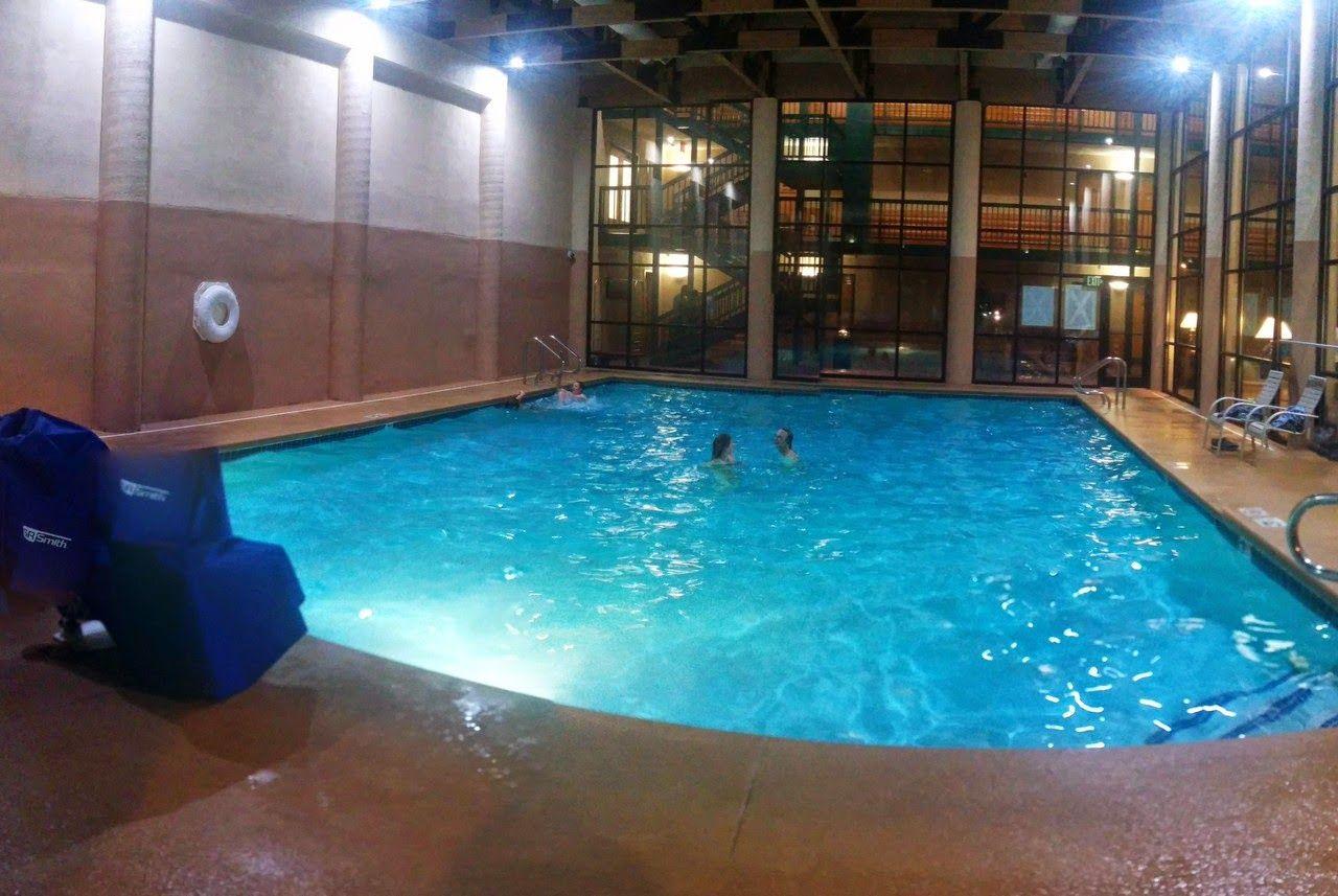 La fría piscina del hotel