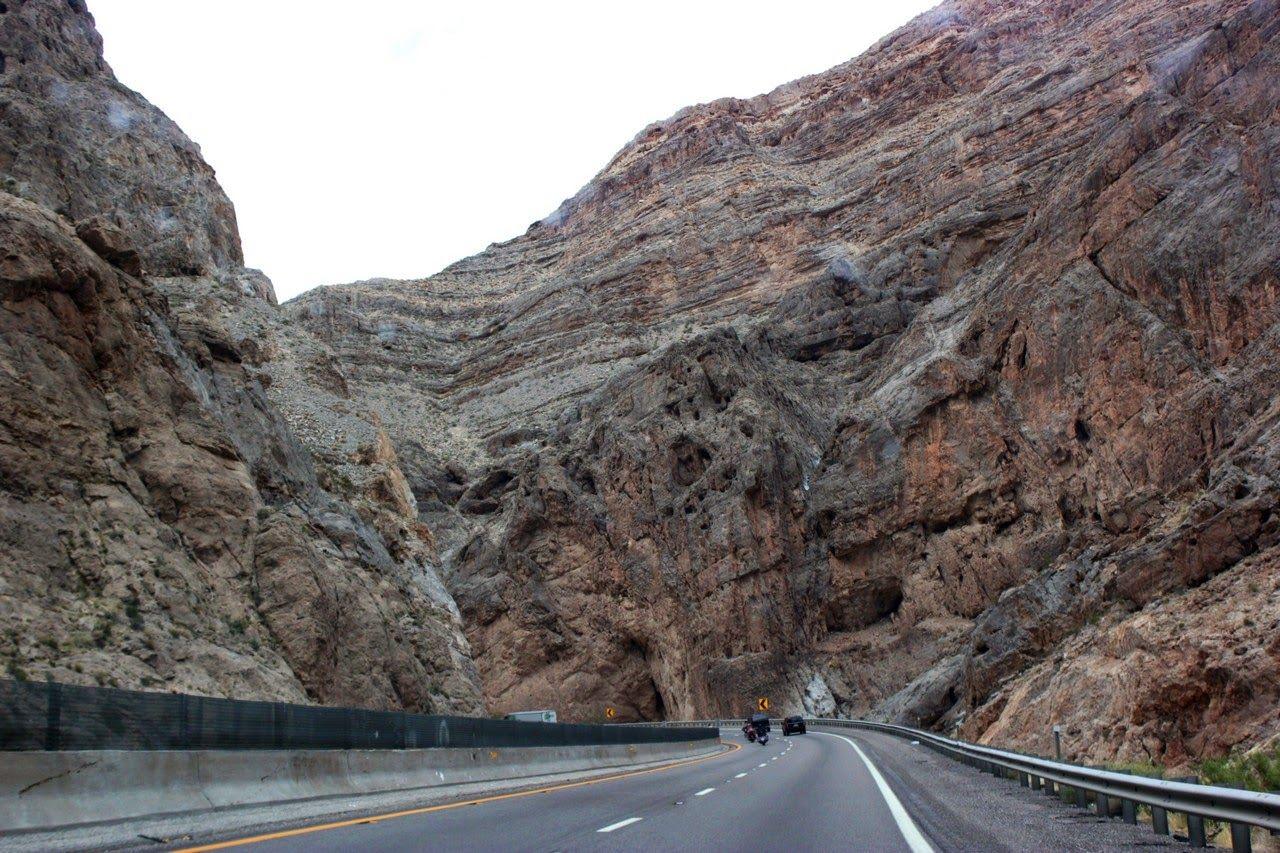Atravesando rocas a toda velocidad