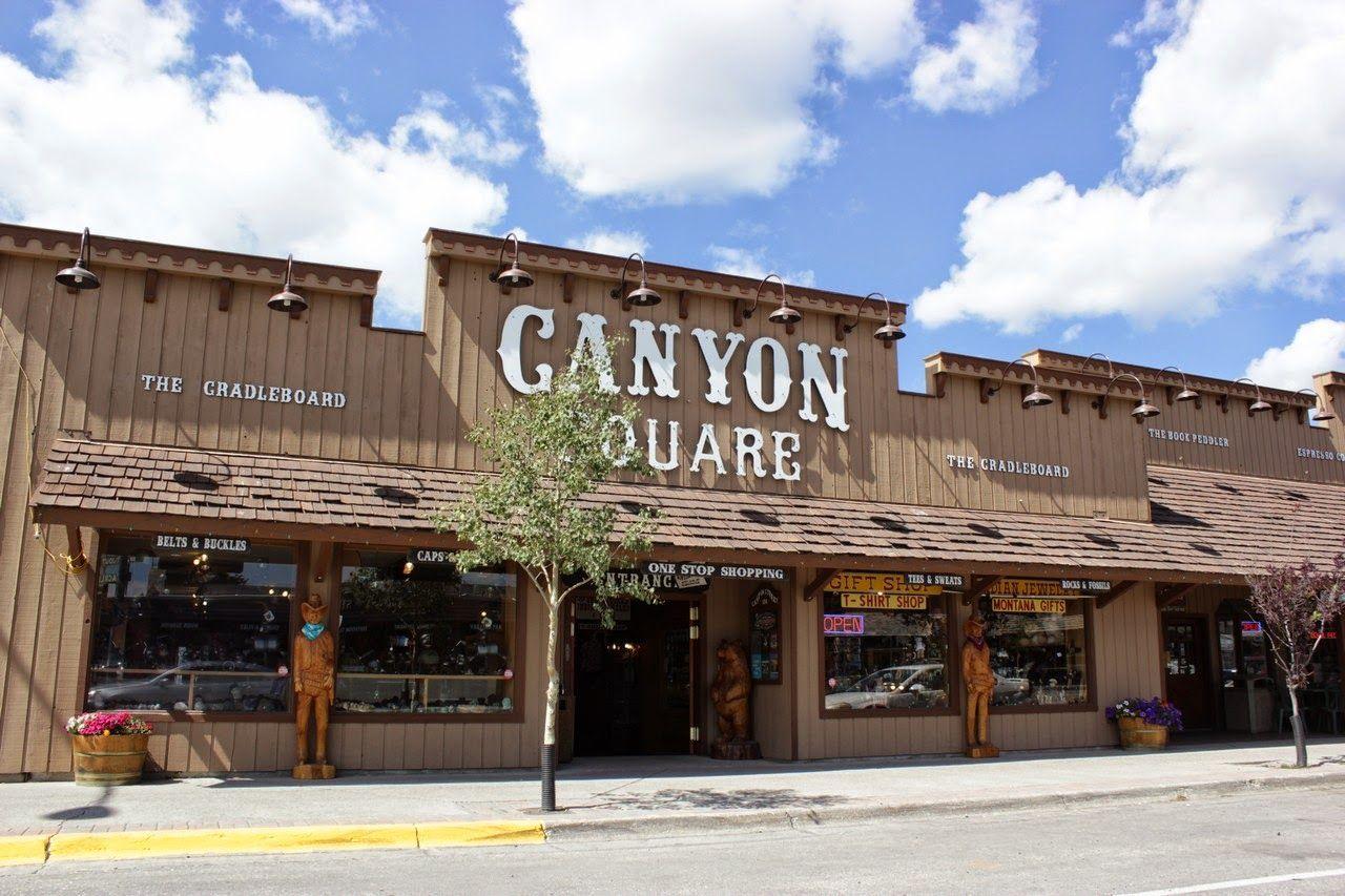 Las fachadas de West Yellowstone...