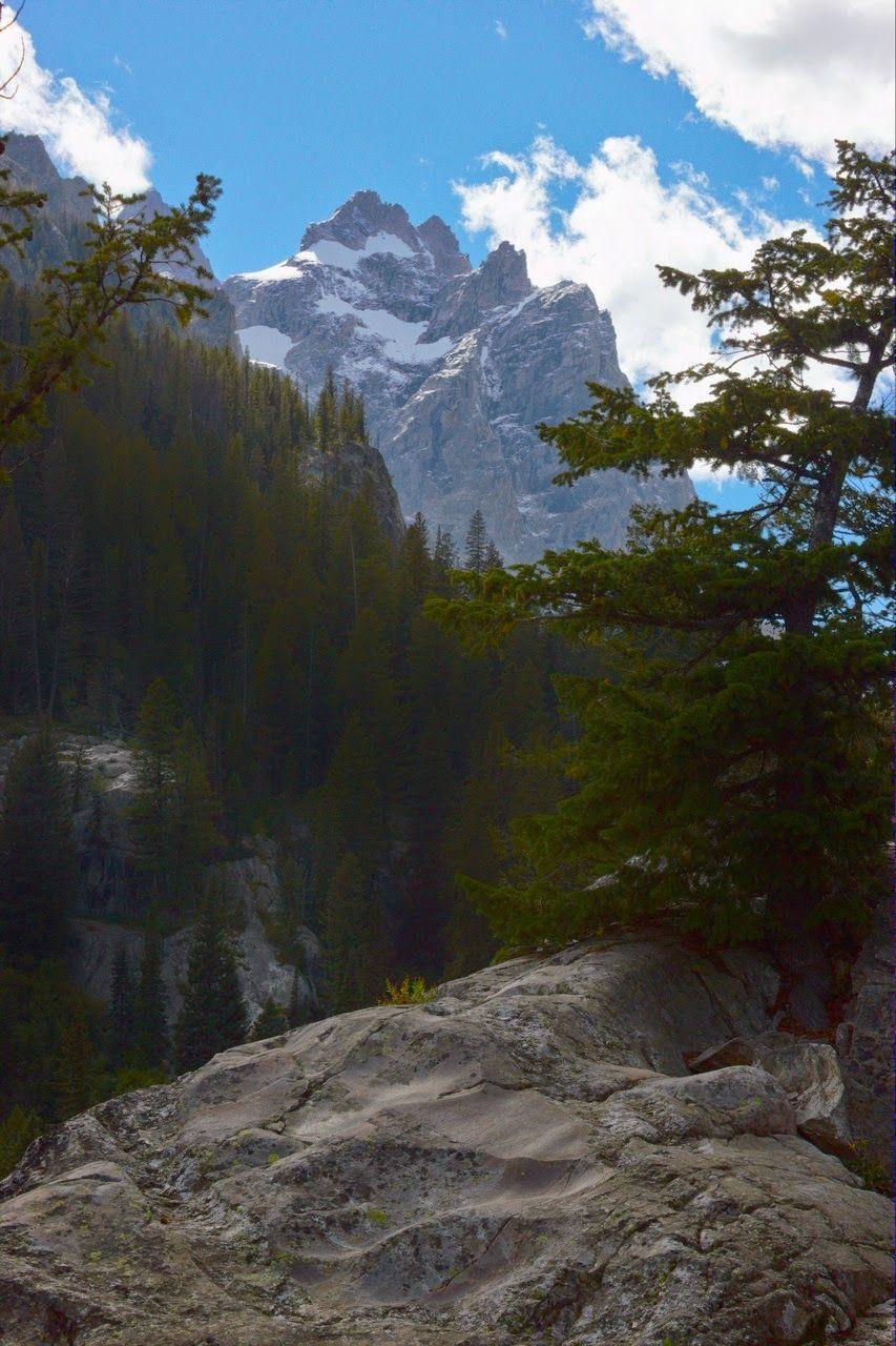 Los picos solo se asoman de vez en cuando desde tan cerca
