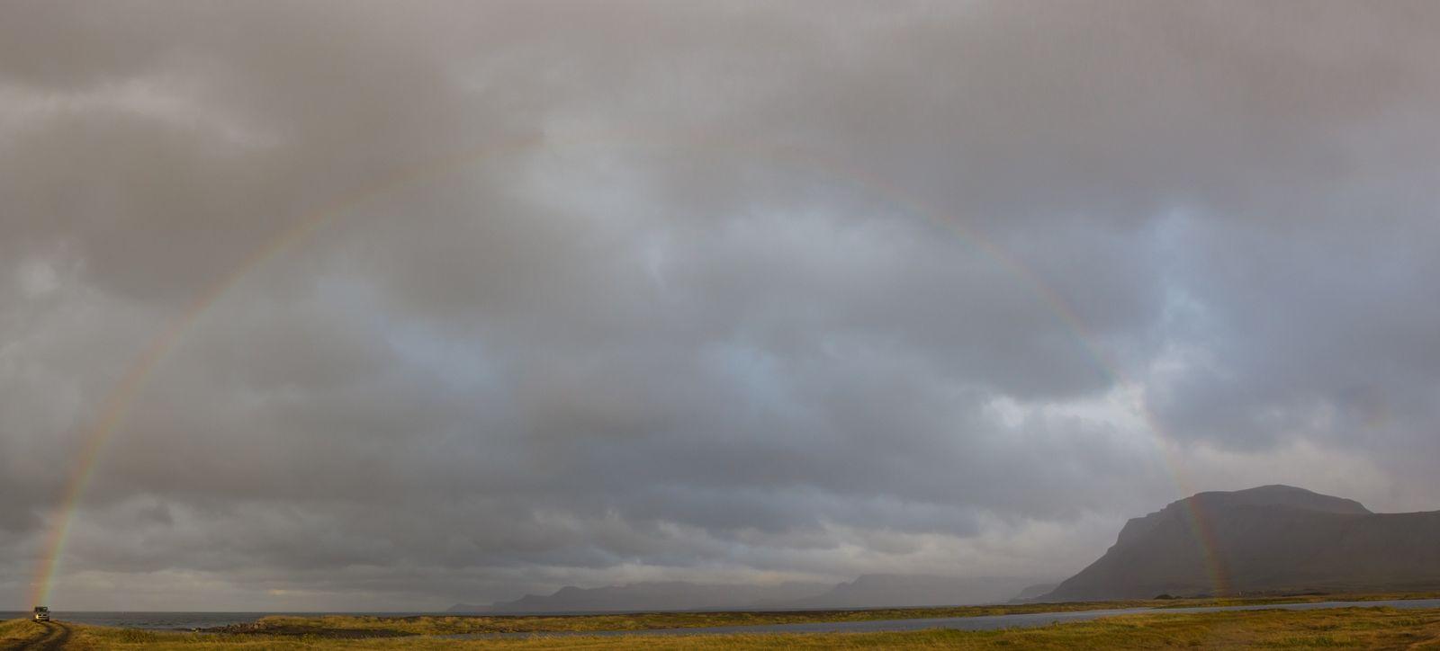 El gran arco iris de camino a Helissandur