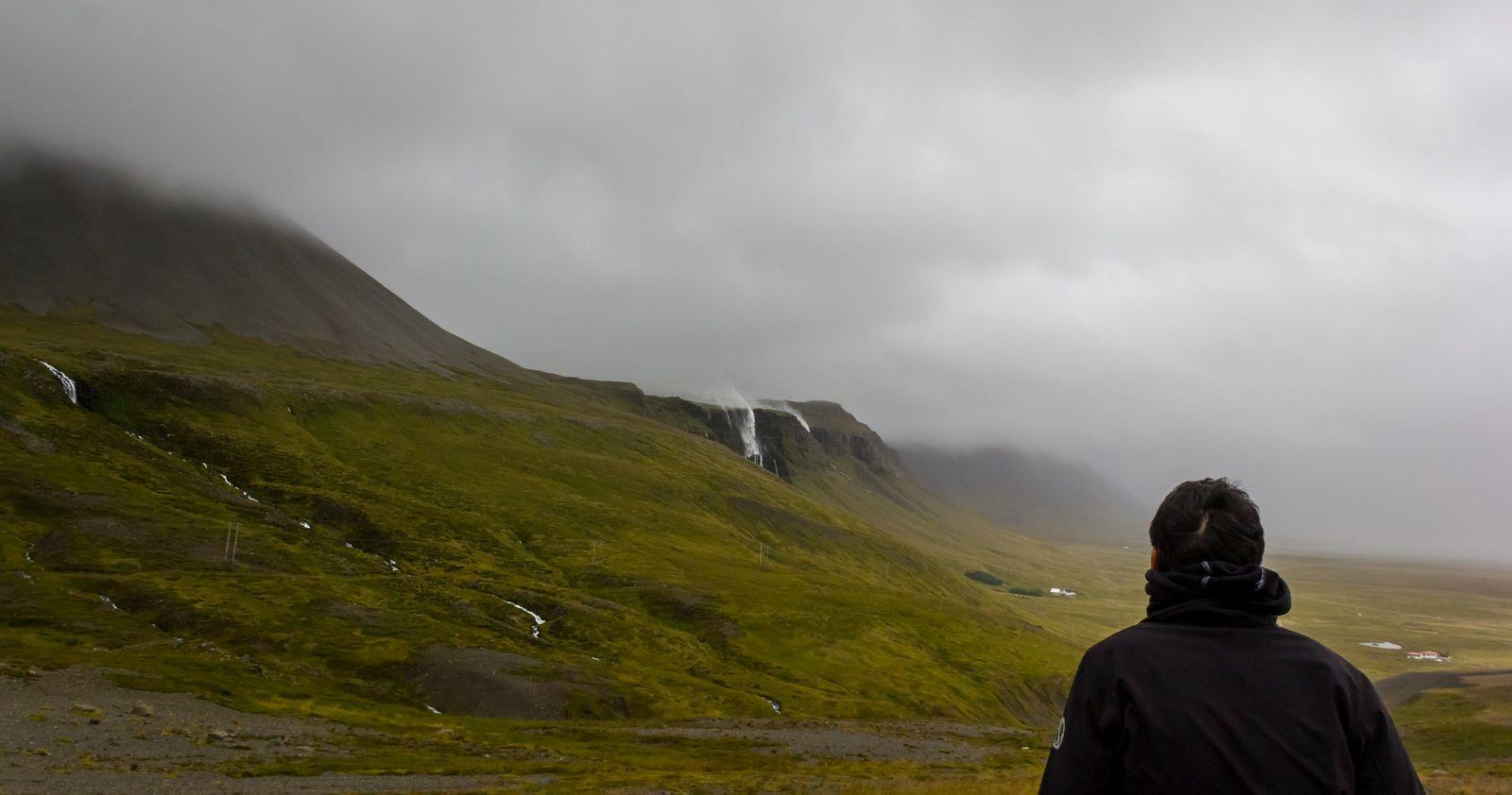 Bjarnarfoss, donde el agua sube
