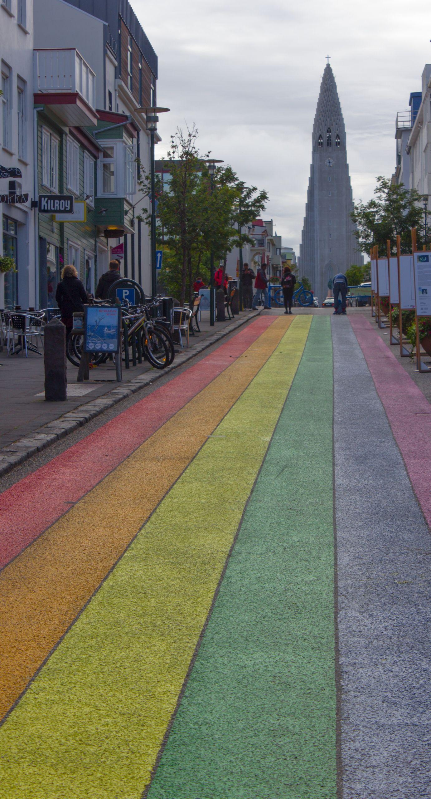 Skólavördustígur, una calle arco iris alejándonos de la iglesia
