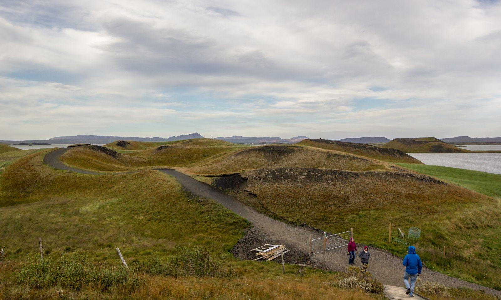 Pequeños cráteres, III