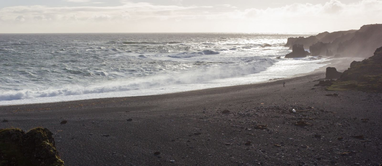 El fuerte oleaje de Djúpalónssandur