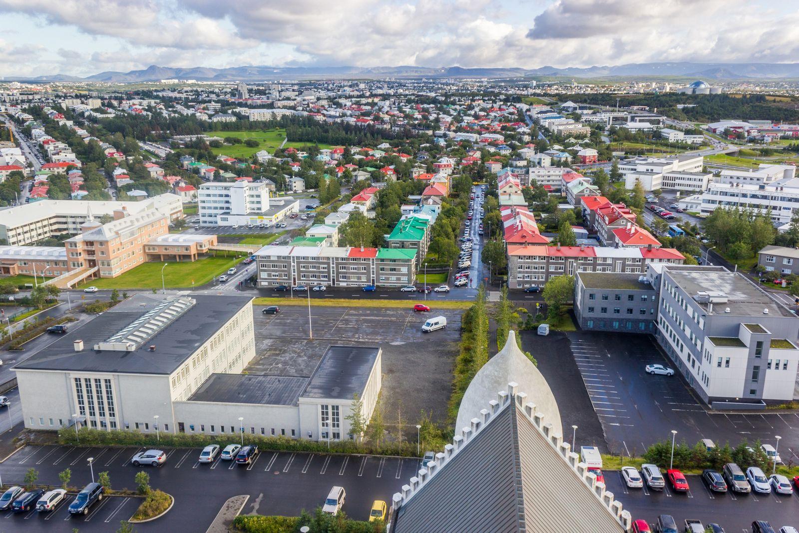 Reykjavik desde las alturas, II