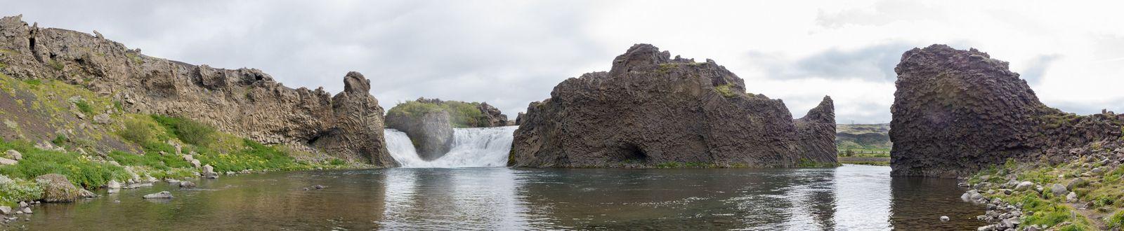 Las aguas de Hjálparfoss
