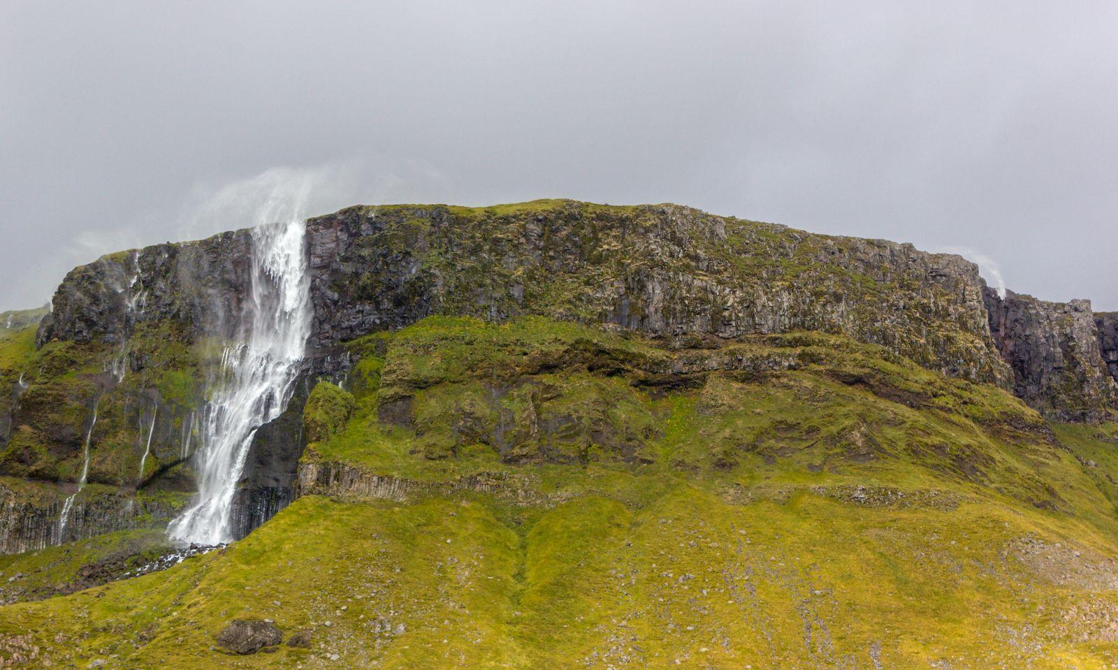 Bjarnarfoss, ahora desde abajo
