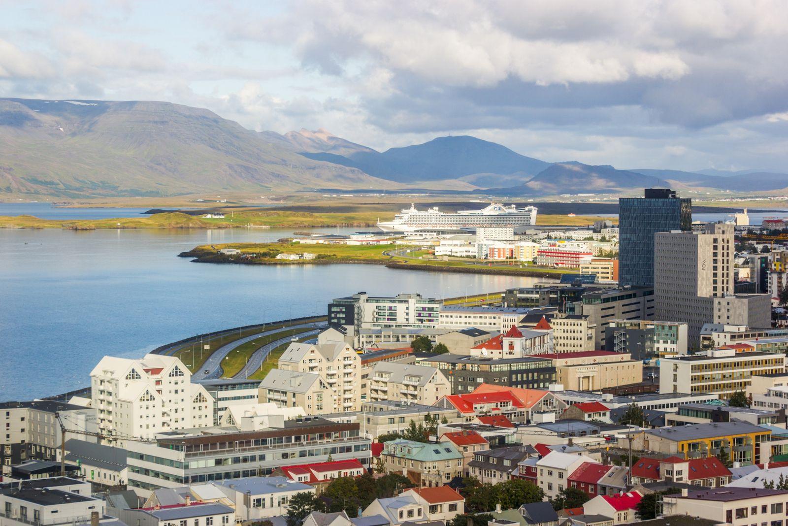 Reykjavik desde las alturas, I