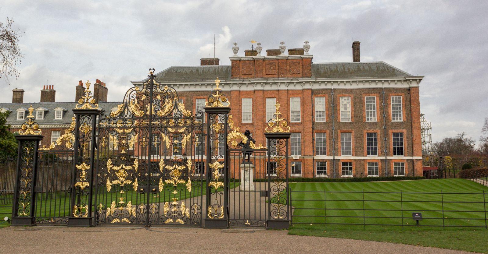 Uno de los accesos al Palacio de Kensington
