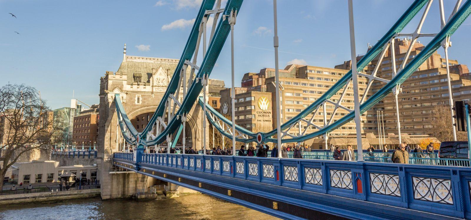 Los colores del Puente de la Torre