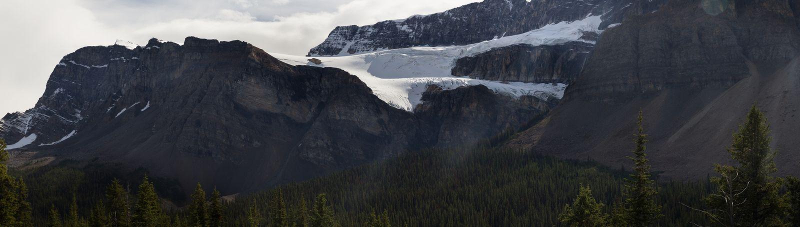 ... pero antes, una parada ante Crowfoot Glacier