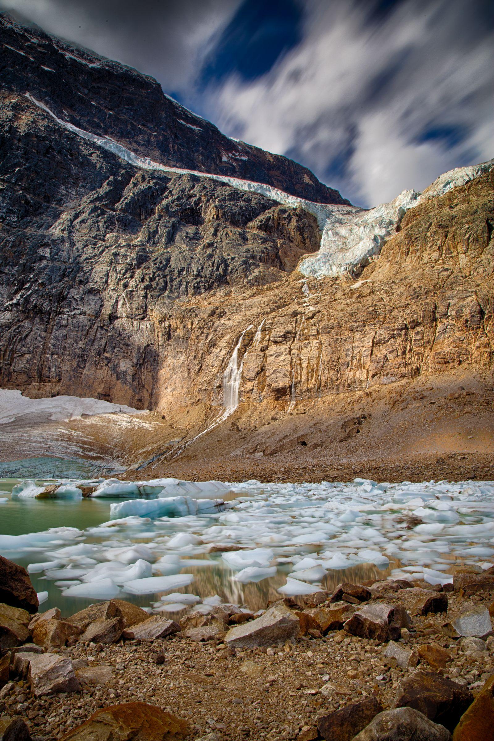 La lengua glaciar, el lago y el retroceso de los últimos años