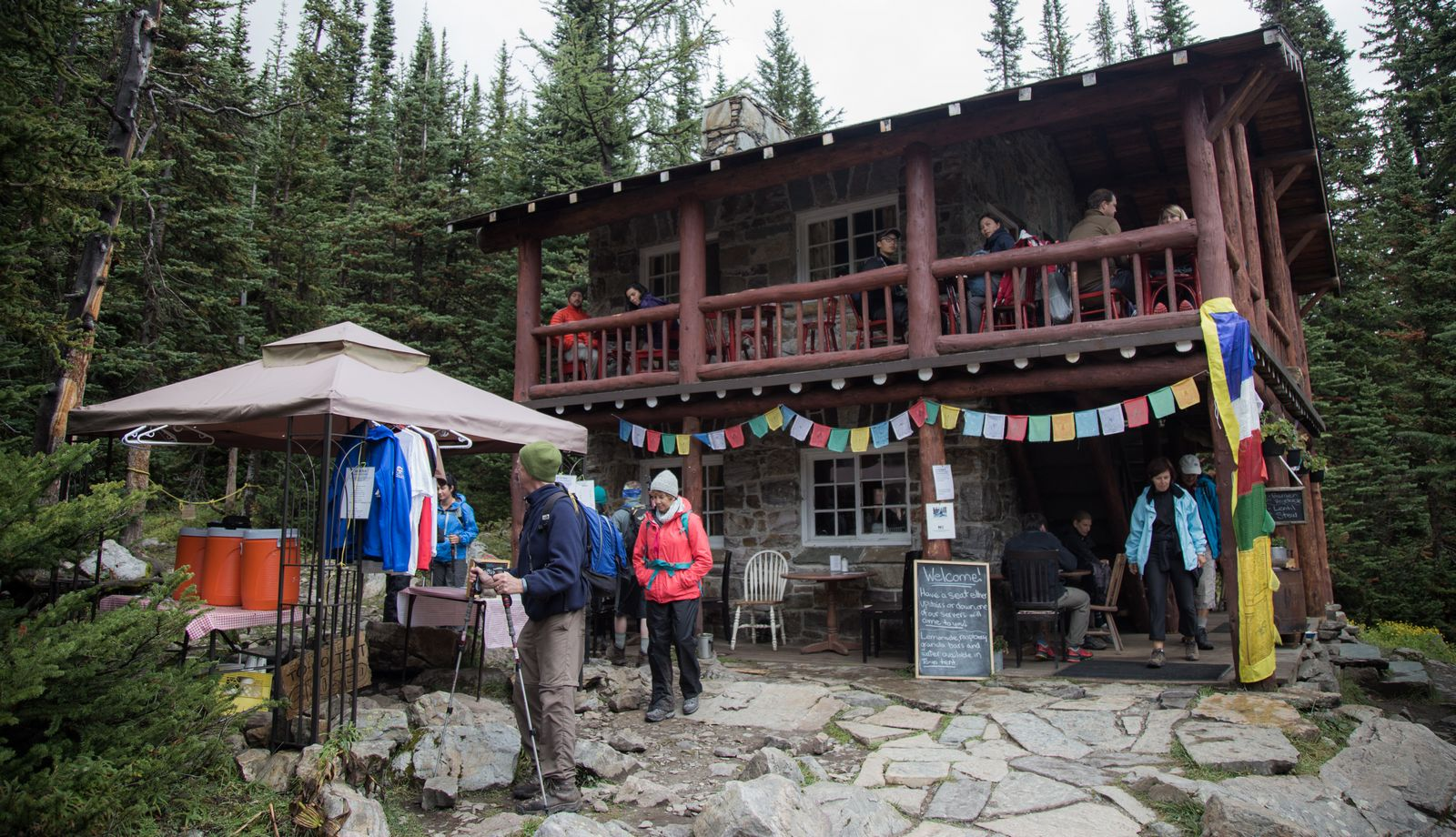 La Plain of the Six Glaciers Tea House