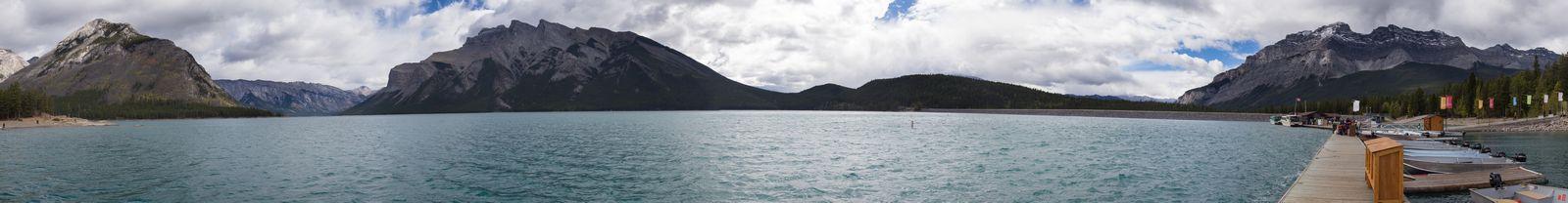 El inacabable Minnewanka Lake