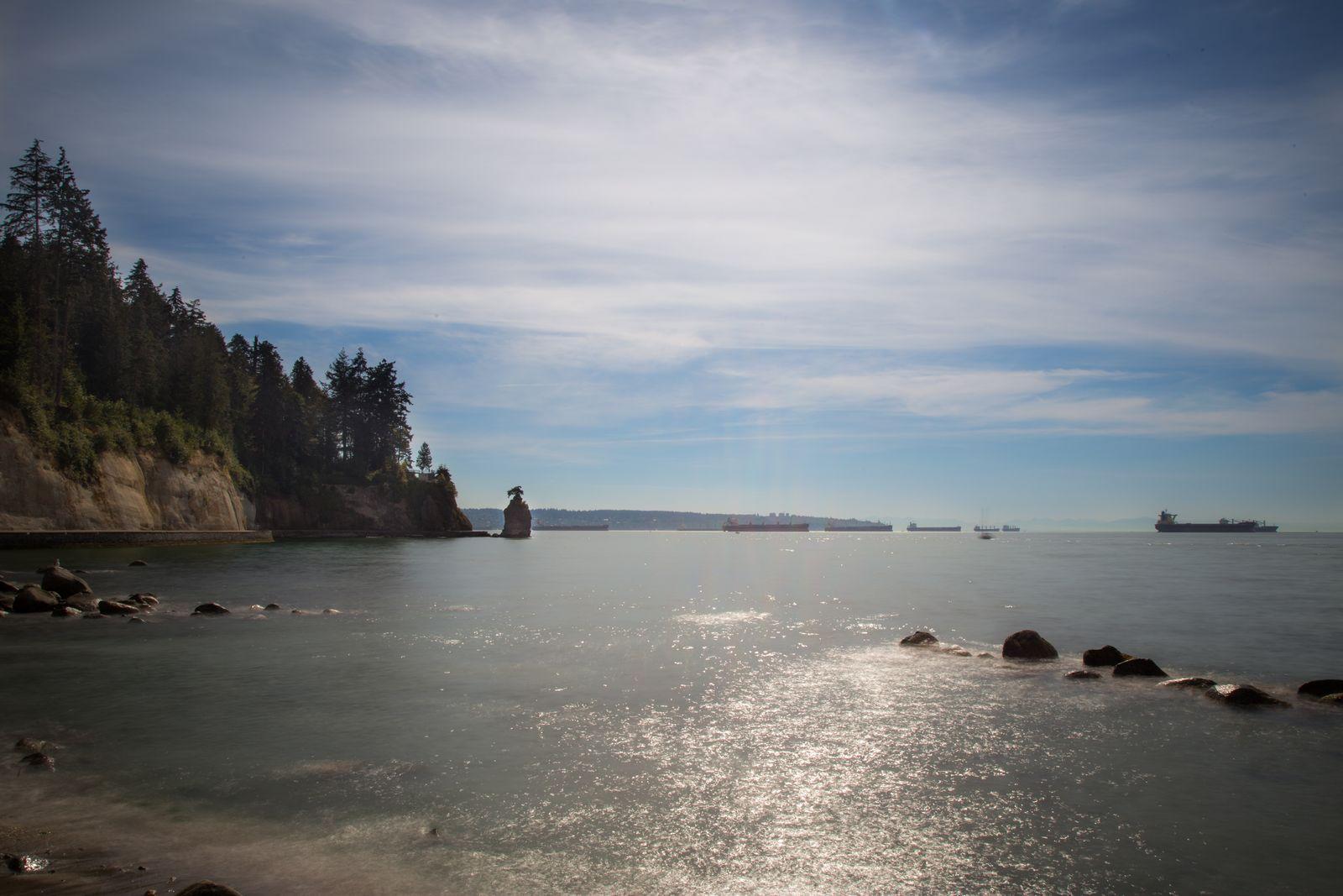 English Bay y la Sewish Rock