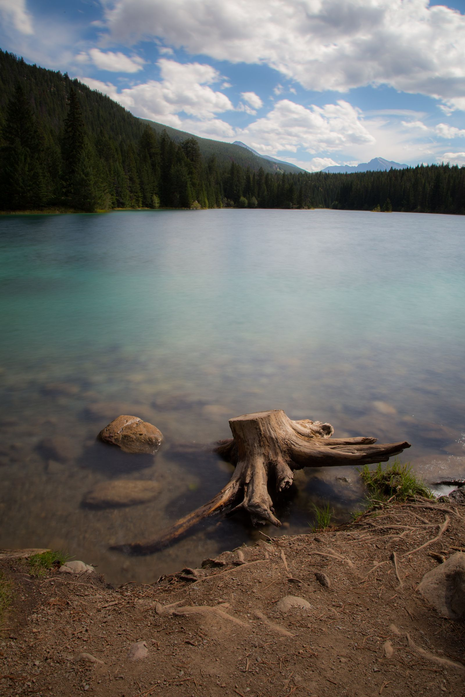 El tranquilo y vistoso primer lago