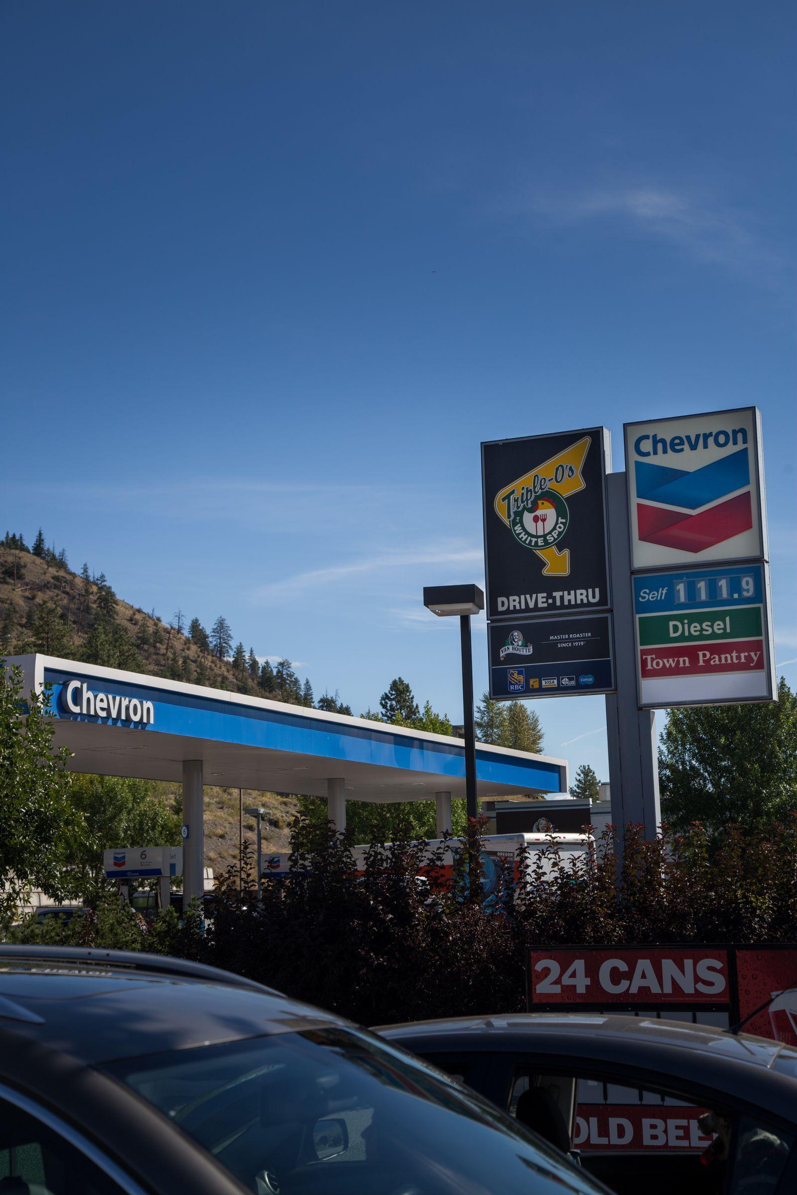Repostando en Chevron