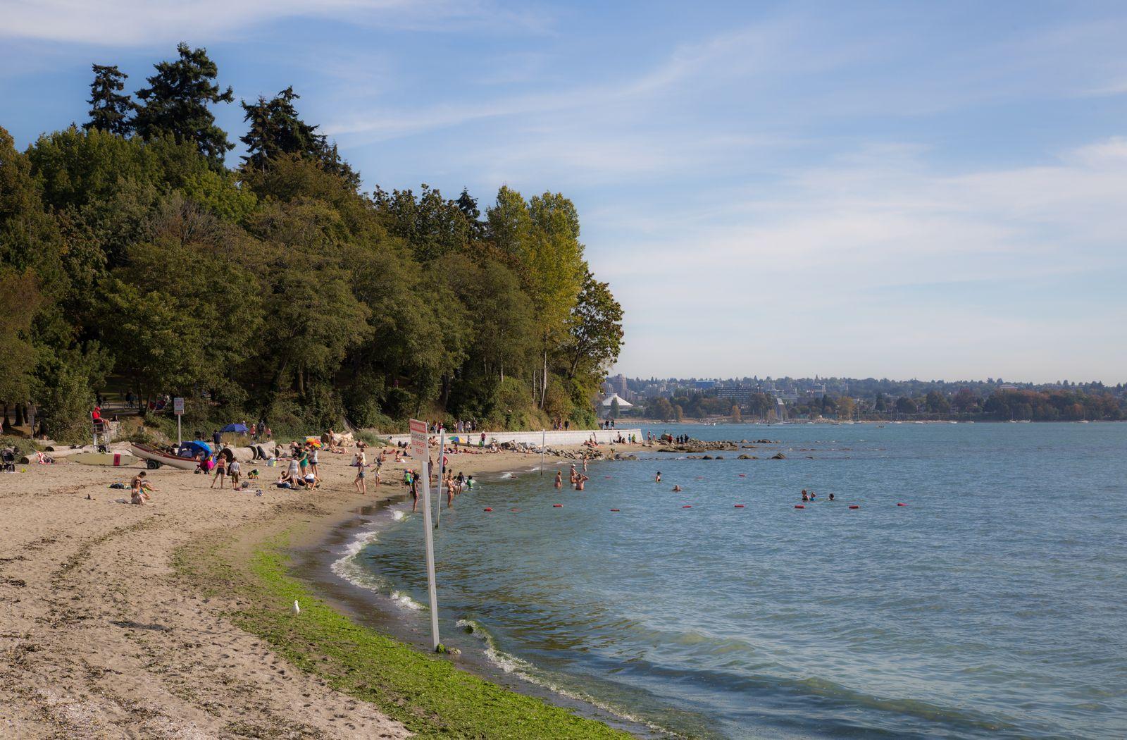 Sí, hay un playa en Stanley Park