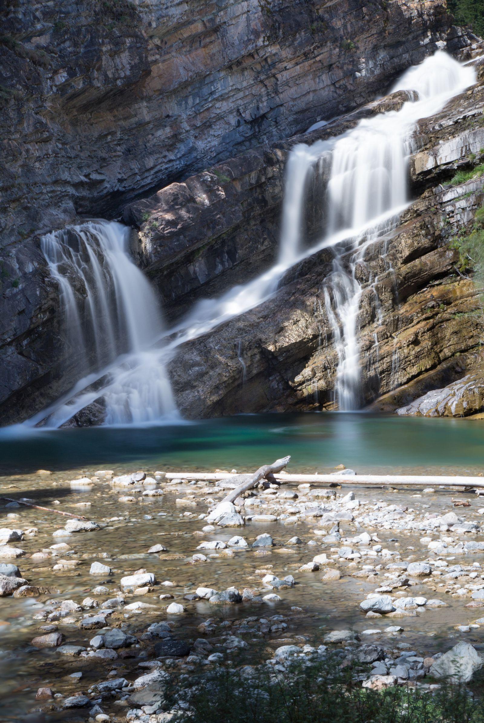 La coqueta Cameron Falls