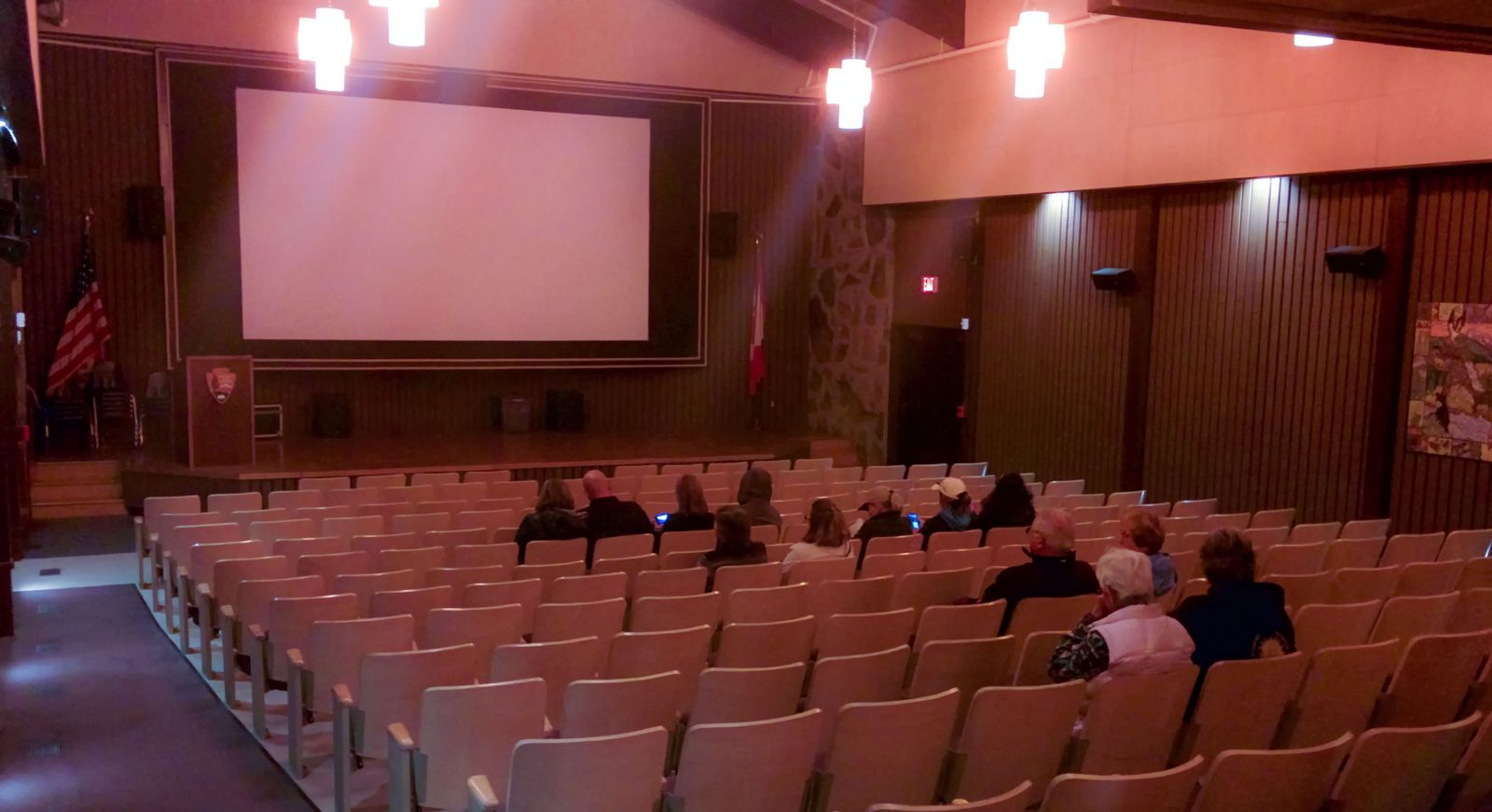 El auditorio del Visitor Center de St. Mary