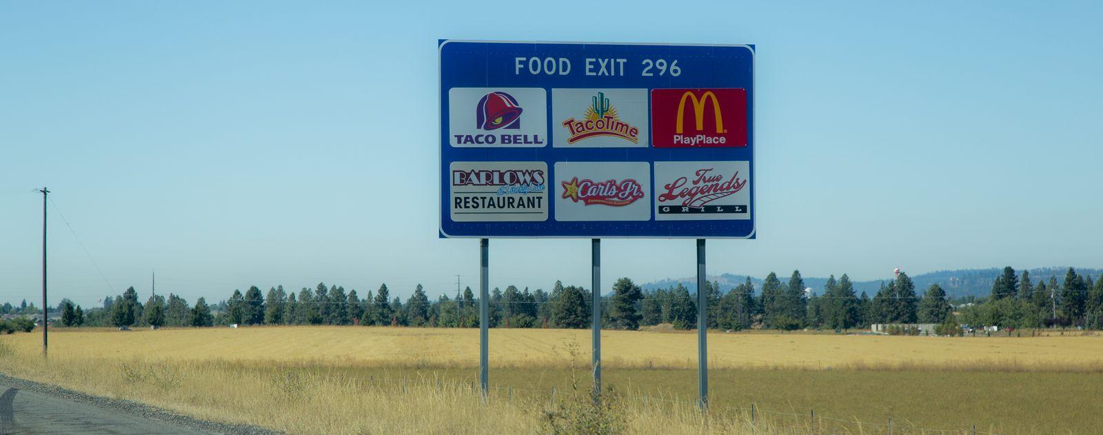 Ni una sola carretera estadounidense sin su concentración de comida basura