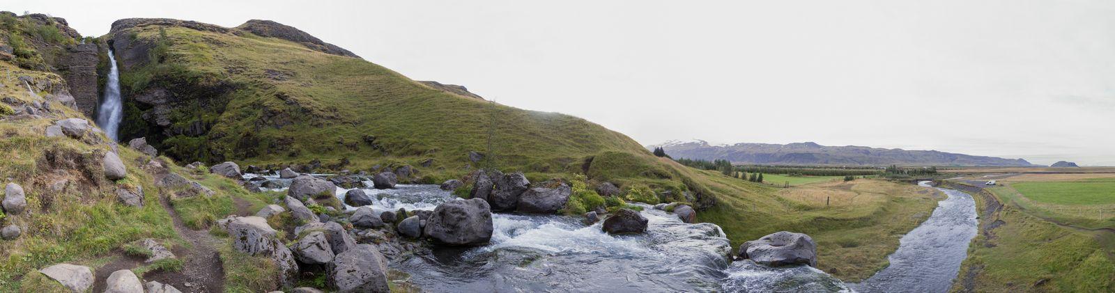 El río sigue tras la catarata