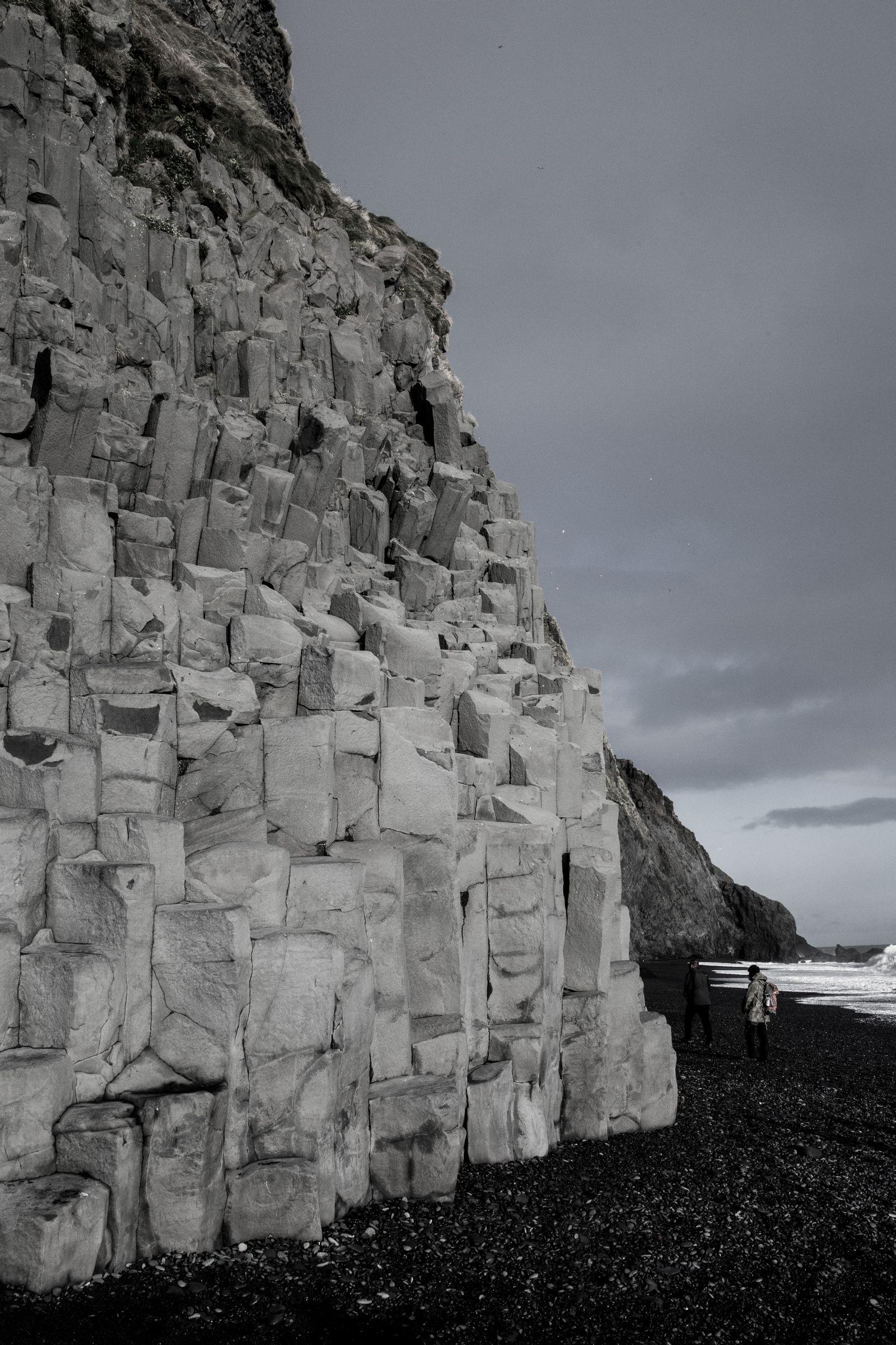 El único metro de basalto sin gente subida a él