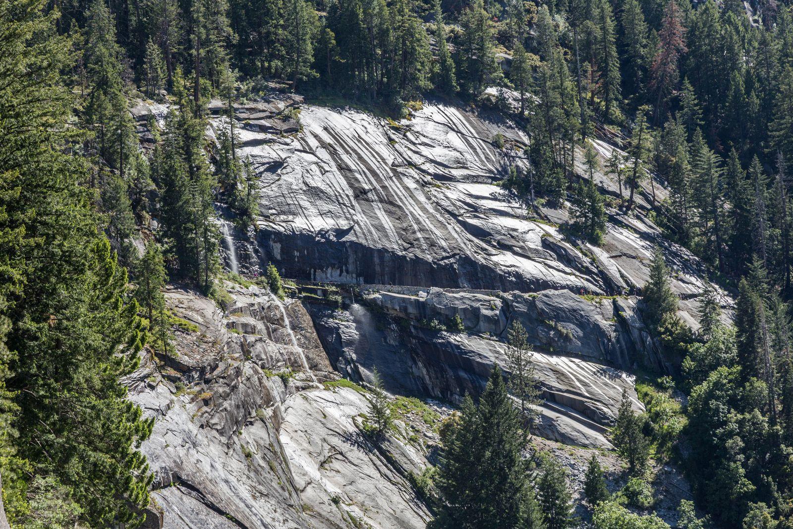 La ducha del John Muir Trail, ahora desde el lado opuesto