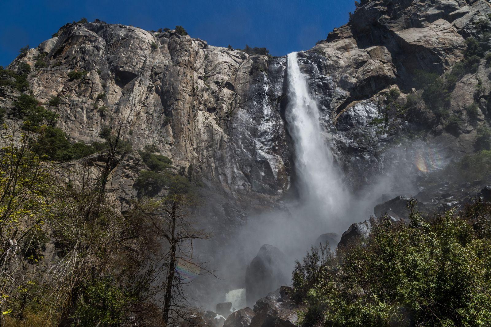 Bridalveil Fall desde un punto más seco