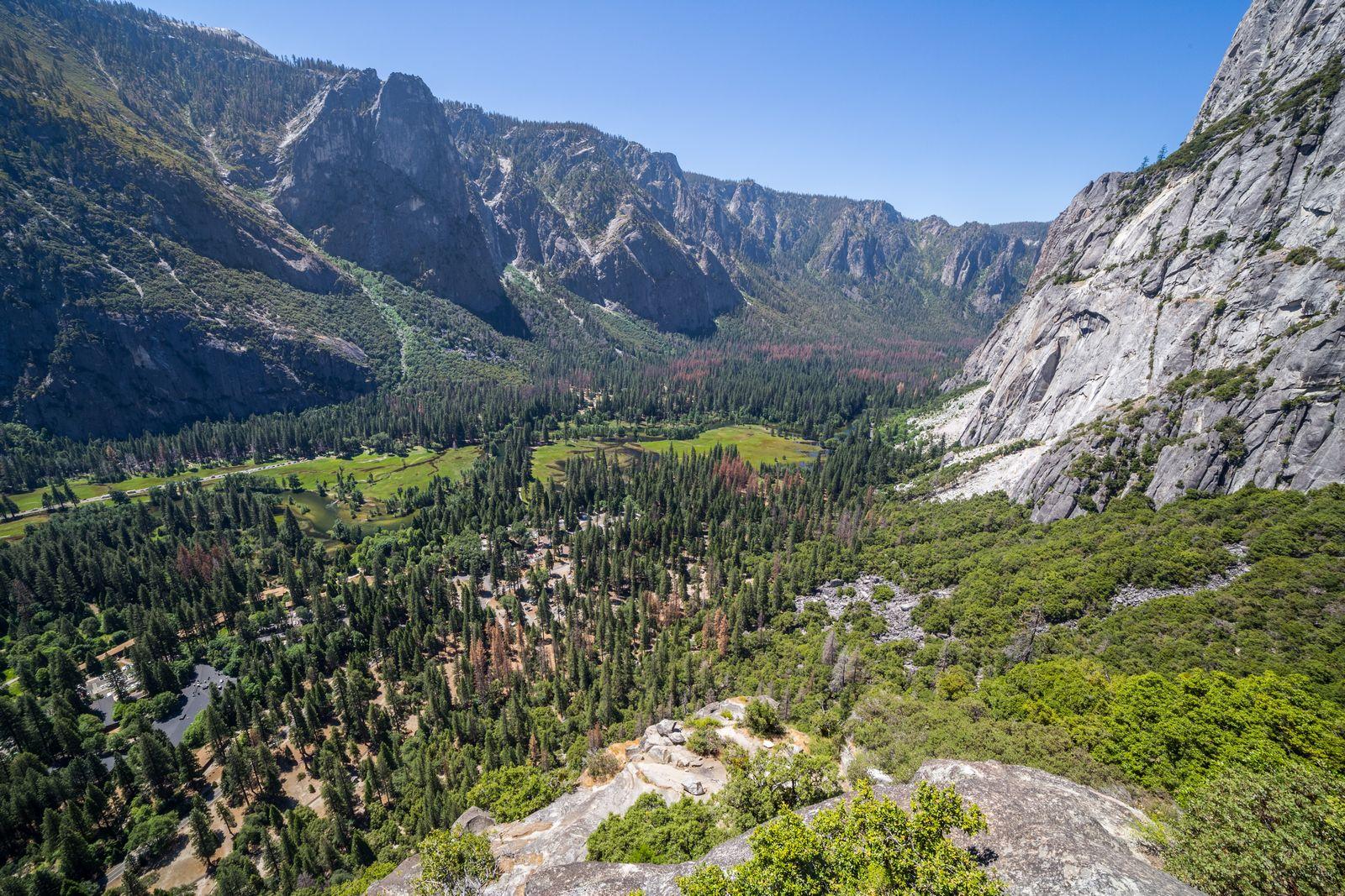 El valle perdiéndose hacia el oeste