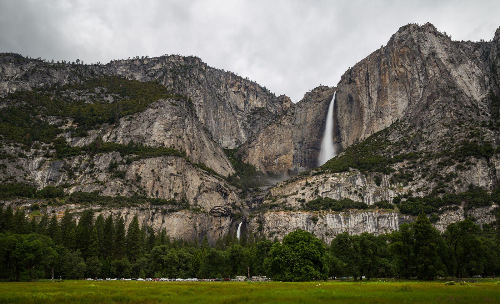 Las Lower & Upper Falls desde la distancia