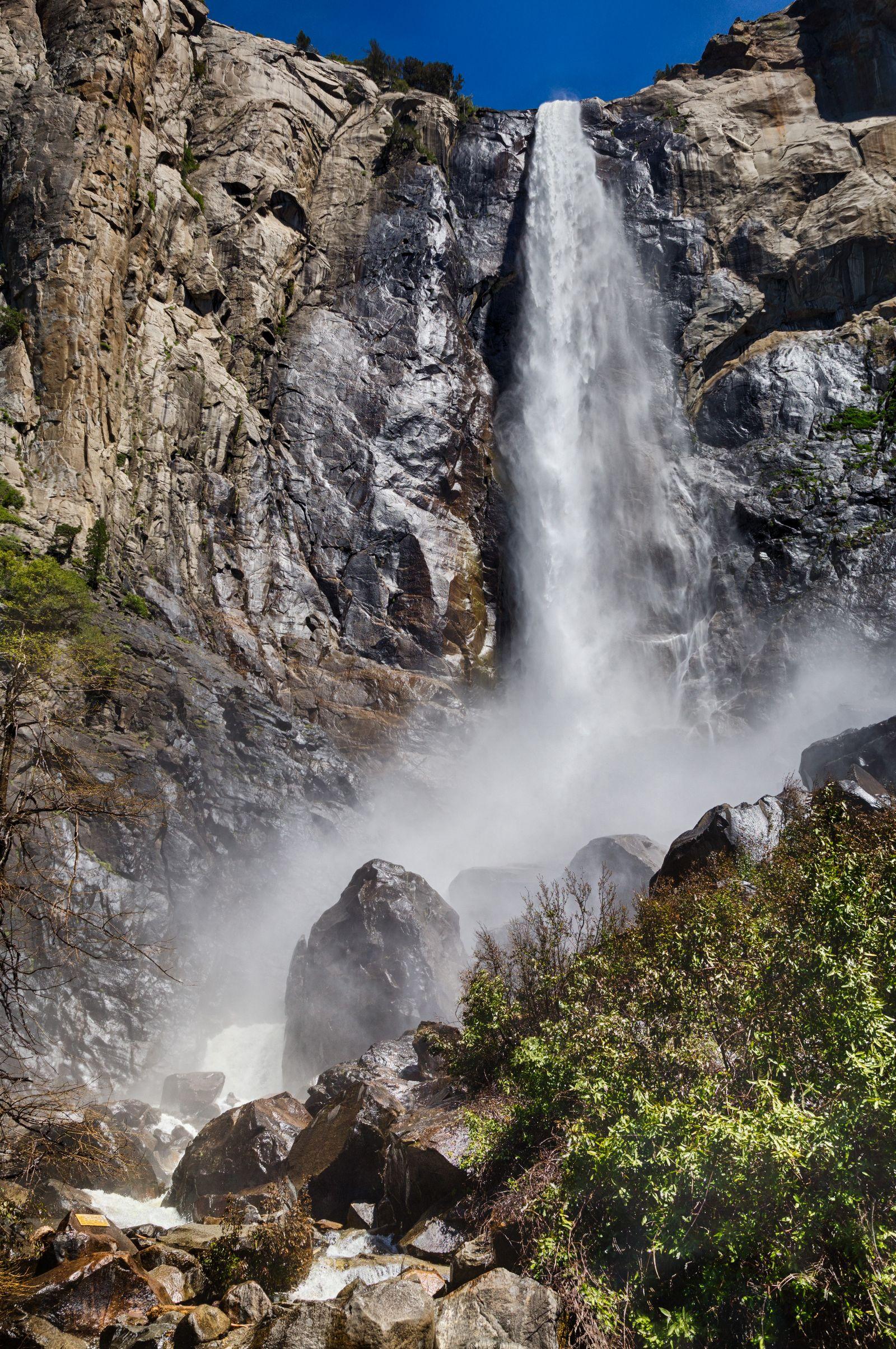 Bridalveil Fall en pleno ataque de agua