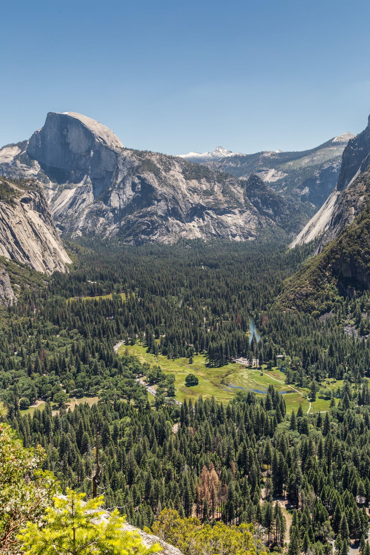 Un último vistazo al valle antes de seguir descendiendo