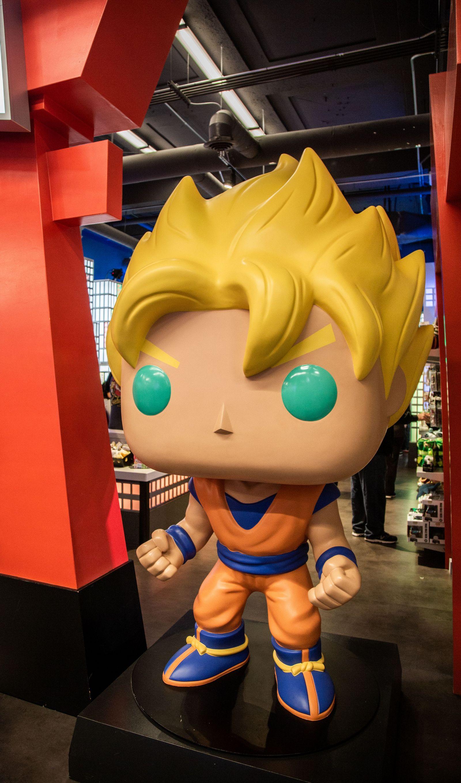 Son Goku dando la bienvenida