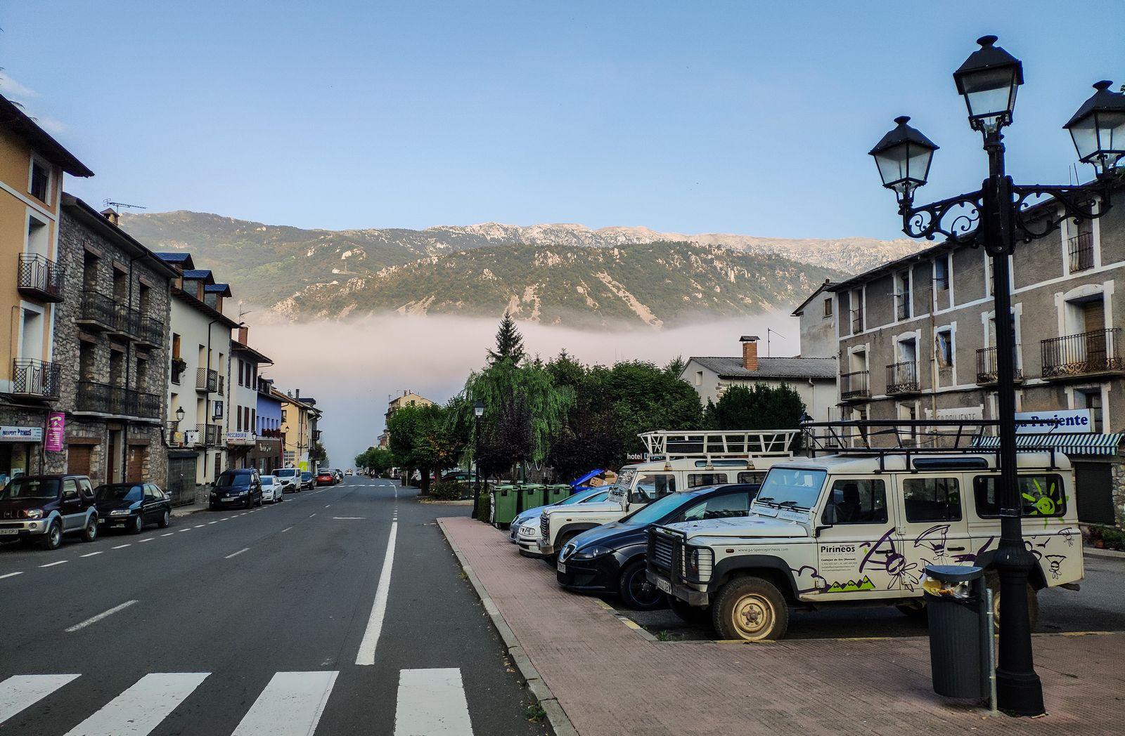 Niebla mañanera en Castejón de Sos