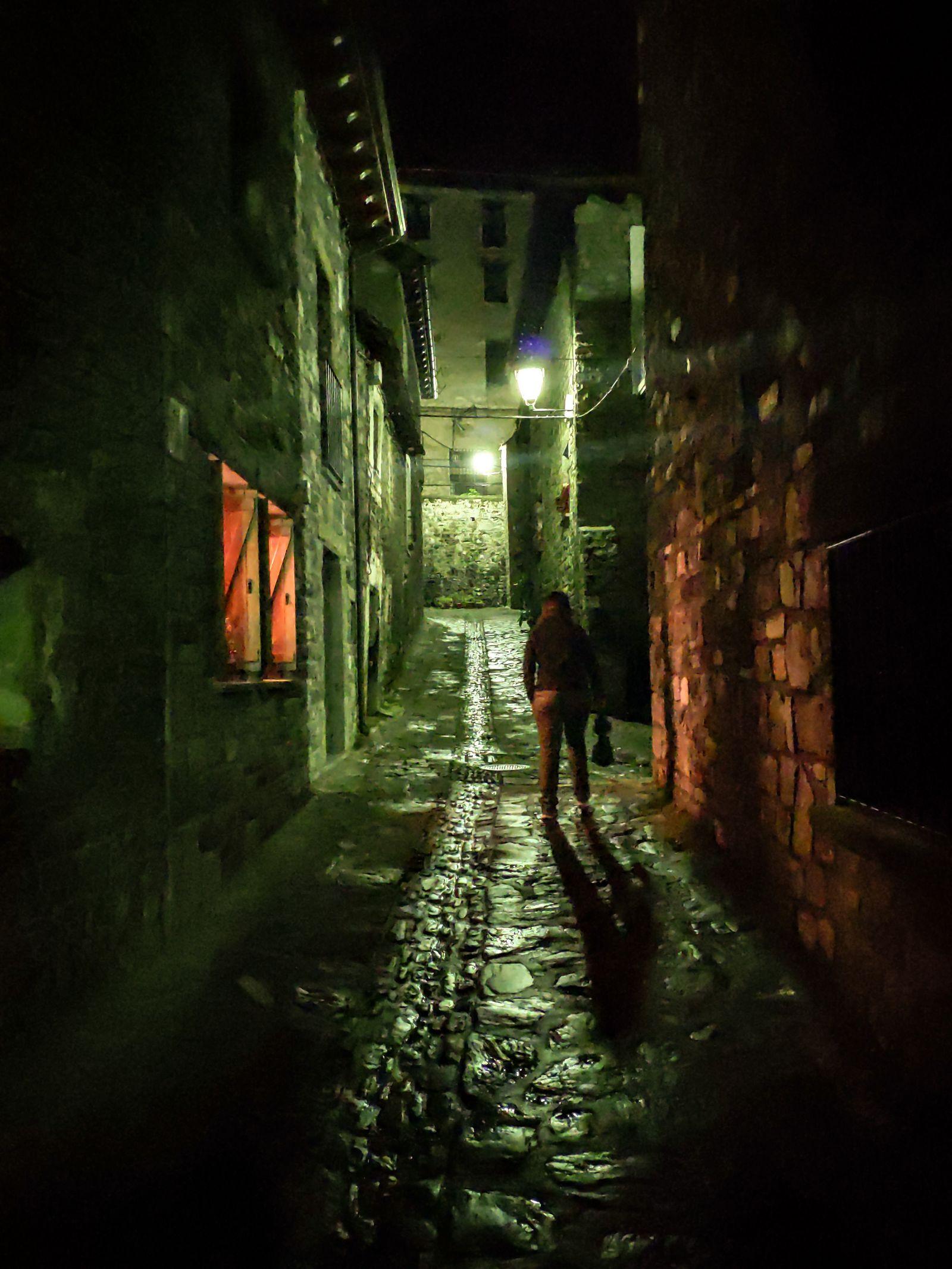 Las oscuras calles de Hecho