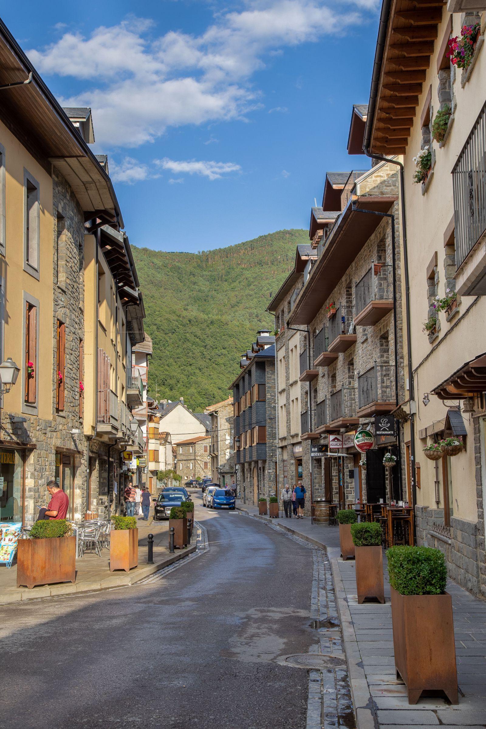 La Calle Mayor, la más comercial