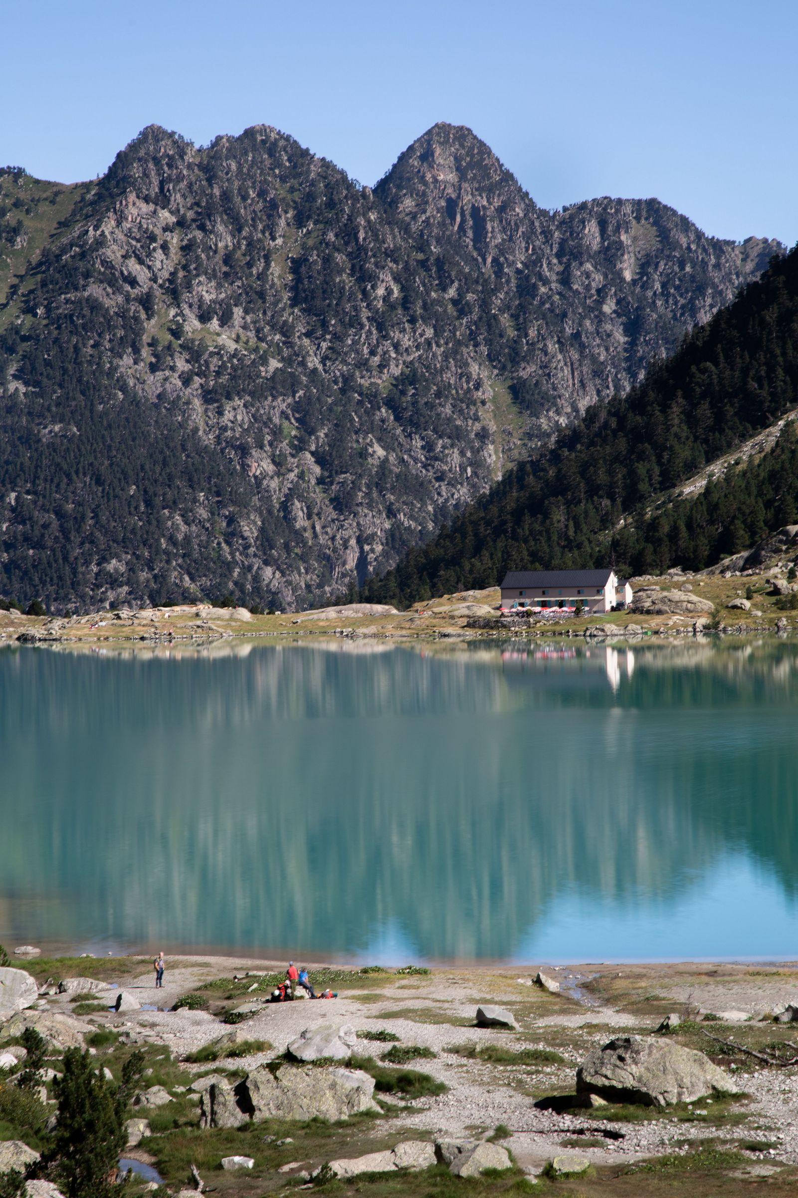 Rodeando el lago sin quitarle ojo
