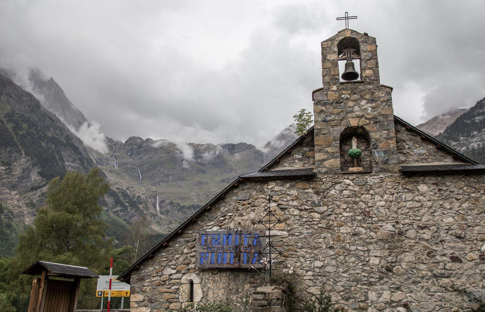La Ermita, antesala al Parador